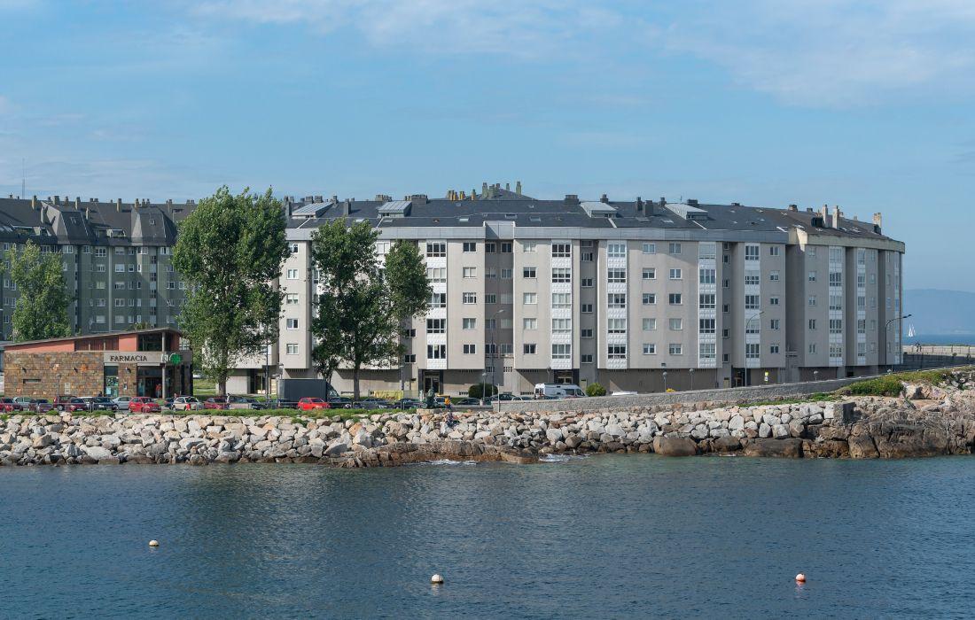 Edificio de viviendas en Adormideras (A Coruña)