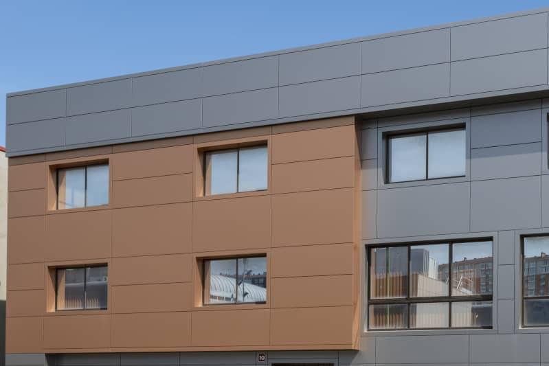 Fachada ventilada panel composite