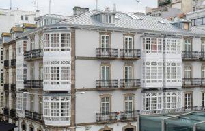 Edificio de viviendas en Plaza de Lugo con zinc natural (A Coruña)